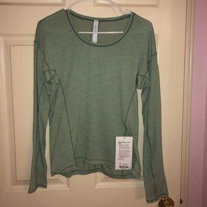 Sweat embrace green long sleeve lululemon 4 NWT